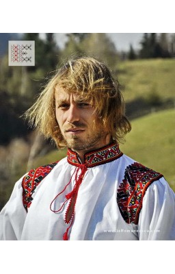 Romanian traditional shirt from Oas area