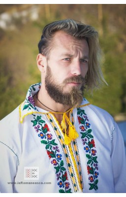 embroidered romanian blouses from Moldavia