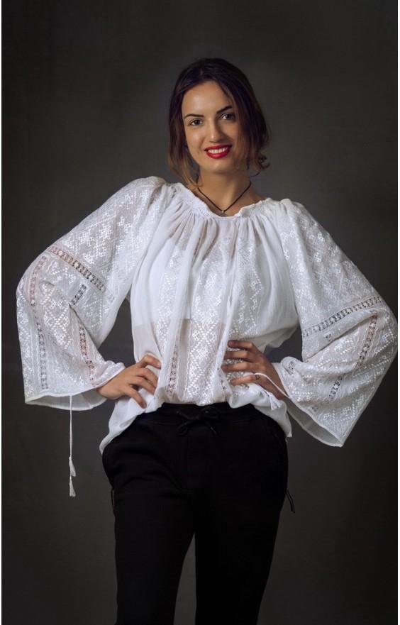 Rumänische bestickte Trachten bluse