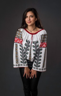 Blouse brodeé Moldavie...