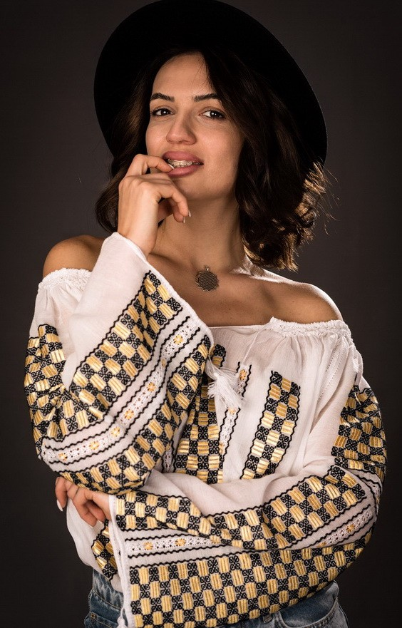 handmade romanian embroidered peasant blouses