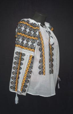 traditional Romanian blouse UK