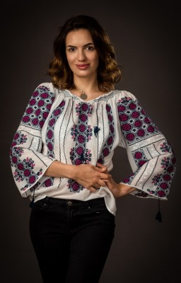traditional romanian peasant blouse