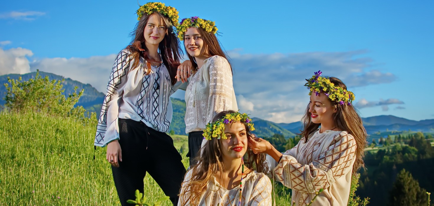 embroidered Romanian blouses